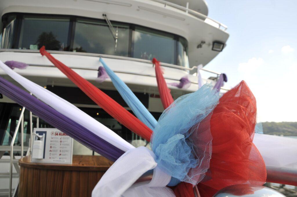 tekne düğünü süslemesi